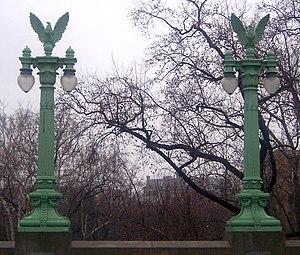 Ernest C. Bairstow - Eagle lampposts at the Taft Bridge in Washington