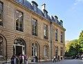 Courtyard of Hôtel de Bourvallais 004.JPG