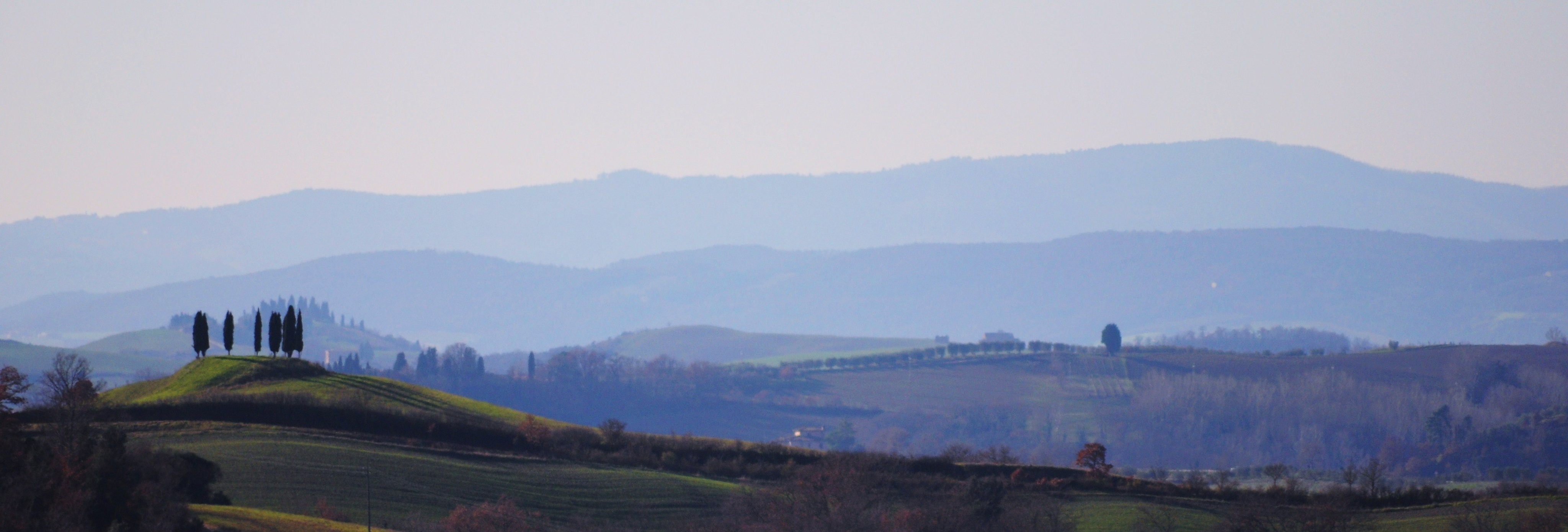 Itinerary in the great scenery of the Crete Senesi