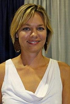 Dana hayes es una maestra puta nalgona y mamadora de pitos - 3 part 2