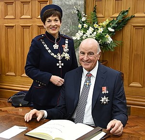 Patsy Reddy - Dame Patsy Reddy and Sir David Gascoigne sign the Visitors' Book at Parliament House, Wellington, 2016