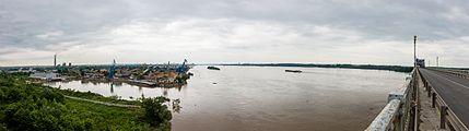 Danubio a su paso por Ruse, Bulgaria, 2016-05-27, DD 02-05 PAN.jpg