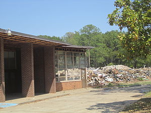 William G. Stewart (Louisiana) - The razing of William G. Stewart Elementary School in Minden, Louisiana, after sixty-two years of use, with the front entrance still standing (August 17, 2011)