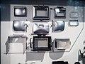 Die Explosivdarstellung einer Spiegelreflexkamera EXAKTA Varex IIa 05.jpg