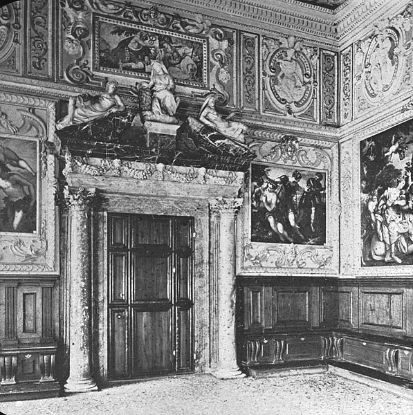 File:Doge Palace, Venice, Interior.jpg