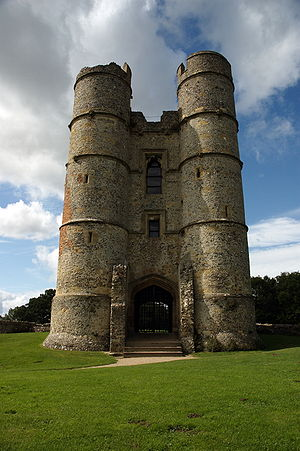 Donnington Castle - The striking twin-towered gatehouse