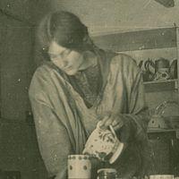 Dorothy Johnstone in 1918 (cropped).jpg