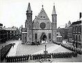 Duitse troepen aangetreden op het Binnenhof; mei 1940.jpg