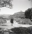 ETH-BIB-Abessinier auf einer Strasse, Hochplateau der Shewa-Abessinienflug 1934-LBS MH02-22-0274.tif