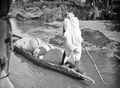ETH-BIB-Transport im Kanu auf dem Niger-Tschadseeflug 1930-31-LBS MH02-08-0518.tif