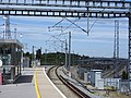 Ebbsfleet International railway station third rail starts 5171.jpg