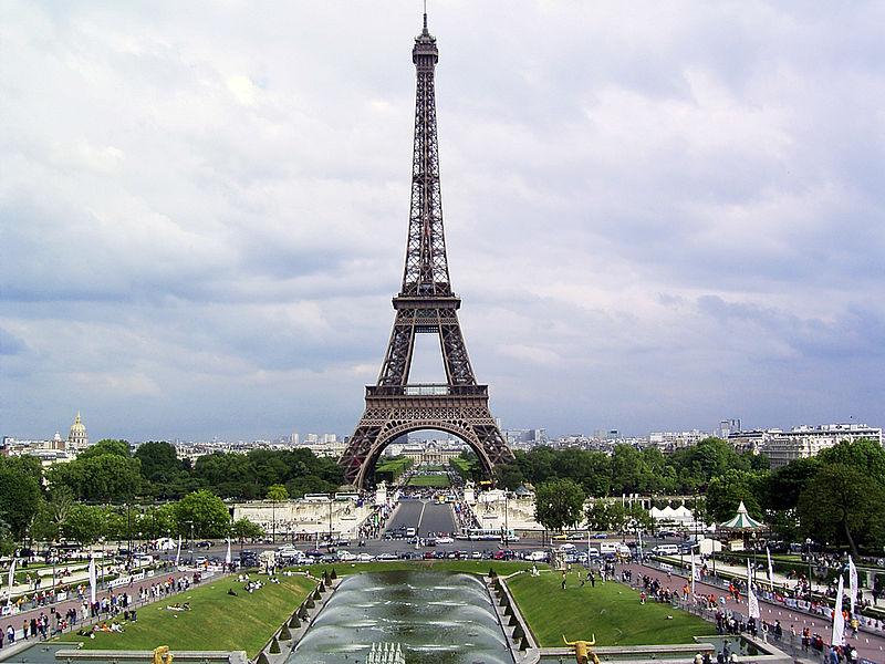 800px-Eiffelturm1.jpg