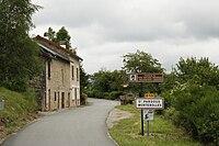 Entrée du bourg de saint-pardoux-morterolles.jpg