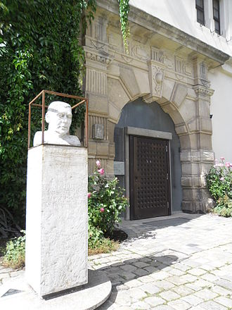 Erwin Schulhoff - This bust of Erwin Schulhoff in the fortress Wülzburg near Weißenburg in Bayern was created by Reinhart Fuchs and inaugurated on 2 October 2004.