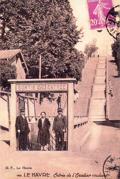 http://upload.wikimedia.org/wikipedia/commons/thumb/8/80/Escalier_m%C3%A9canique_du_Havre_1.jpg/401px-Escalier_m%C3%A9canique_du_Havre_1.jpg
