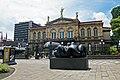 Escultura Pareja Teatro Nacional Jimenez Deredia CRI 07 2019 8977.jpg