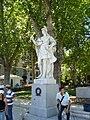 Estatua de Iñigo Arista en la Plaza de Oriente.JPG