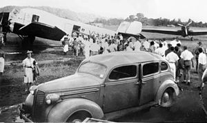 Evacuation of civilians from Salamaua 1941.jpg