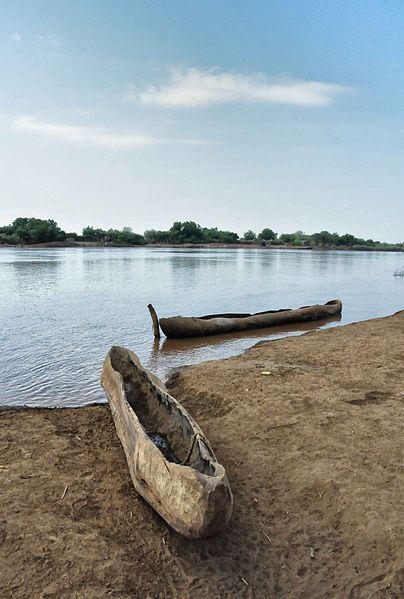 File:Evening on the Omo River (6188389169).jpg