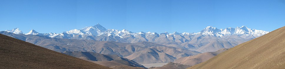 Northern panoramic view of Everest from below the Gyatso La on the Friendship Highway between Lhatse and Shelkar