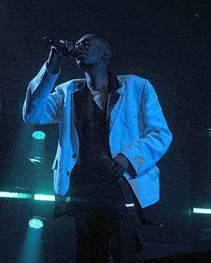 Maxi Jazz - Maxi Jazz, singing with Faithless in MEN Arena, Manchester, 4 December 2010