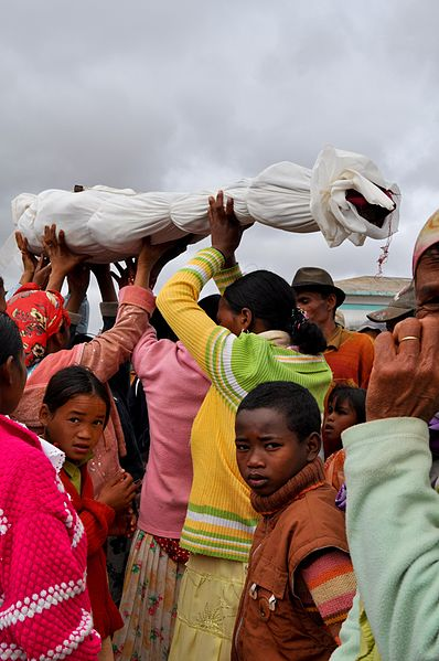 File:Famadihana reburial razana ancestor Madagascar.jpg