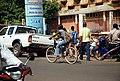 Femmes à vélo à Ouagadougou5.jpg