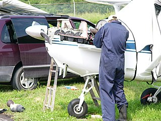 Aircraft maintenance engineer (Canada)