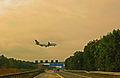 Flugzeuglandung bei der A5 Nähe Frankfurter Flughafen.jpg