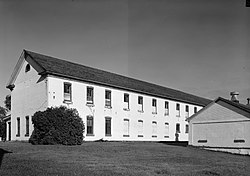 Fort Totten barracks.jpg