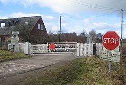 Foulis Level Crossing in 2010 (13175682093).jpg