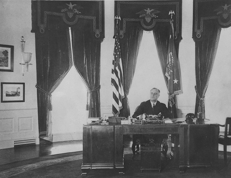 Franklin D Roosevelt in the Oval Office - NARA - 195978 rotated %26 cropped.jpg