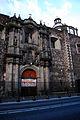 Frente a la entrada del Templo de San Lorenzo Mártir.JPG