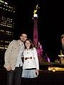 Frente al Ángel de la Independencia (4095970227).jpg