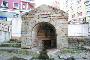 La Foncalada - The Foncalada, pre-romanesque fountain in today's city center of Oviedo.