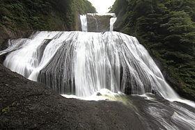 Fukuroda Falls - 袋田の滝(ふくろだのたき).jpg