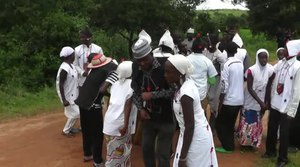 Archivo:Fulani coming of age dance.webm
