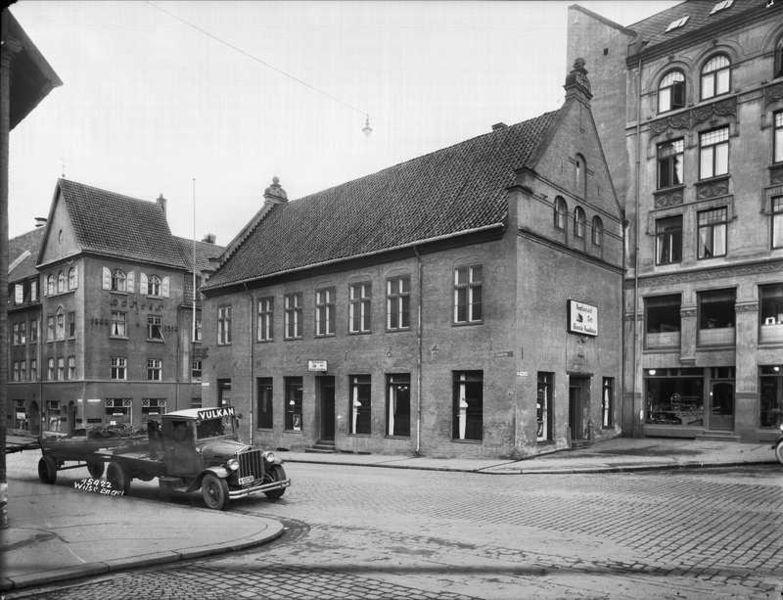 File:Gamle rådhus OB.Y3858.jpg