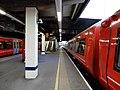 Gatwick Airport stn platform 5 look south2.jpg