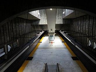 Glen Park station - Glen Park station platform in March 2018