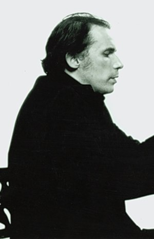 Thirty Two Short Films About Glenn Gould - Image: Glenn Gould 1 crop