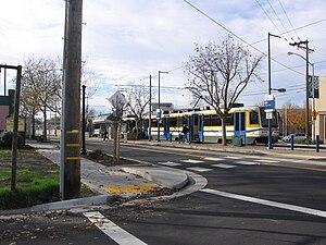 Globe (Sacramento RT) - An eastbound tram discharges passengers, 8 December 2012
