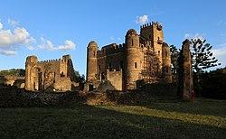Gondar, cittadella, palazzo di re fasiladas 05.jpg