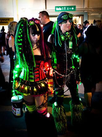 Gothic fashion - Two cybergoths