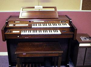 Gulbransen (musical instrument manufacturer) - Gulbransen Pacemaker  electronic home organ