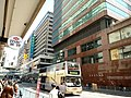 HK 觀塘 Kwun Tong 開源道 Hoi Yuen Road Yen Shing Centre n HSBC sign March 2018 LGM.jpg