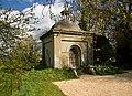 Hanham family mausoleum - Manston House - geograph.org.uk - 741797.jpg