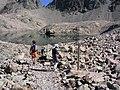 Hautes-Alpes Les Lacs de Crupillouse Randonneurs Le Col 082005 - panoramio.jpg