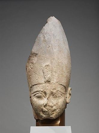 Ahmose I - A fragmentary statue of Ahmose I, Metropolitan Museum of Art.