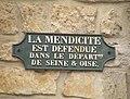 Hedouville plaque mendiant.JPG